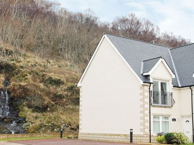 Photo for 2 bedroom property in Fort William.