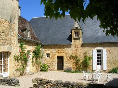 Photo for In the heart of Périgord Noir, 5 km from Sarlat, large house with pool