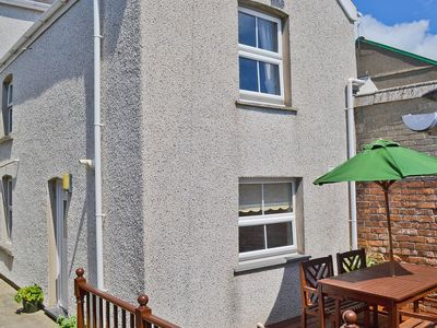 Photo for 1 bedroom property in Aberdovey. Pet friendly.
