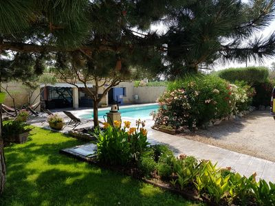 Photo for AVIGNON, detached villa of 110m2 with private pool, golf course ..
