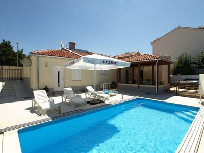 Photo for Stunning private villa with A/C, private pool, WIFI, hot tub, TV, washing machine and parking