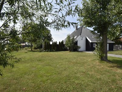 Photo for Dutch farmhouse for 12 people in picturesque Schoorl with views across the dunes