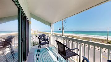 Emerald Shores, Laguna Beach, FL, USA
