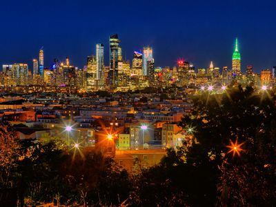 Photo for The Skyline - Spectacular views of NYC from private deck