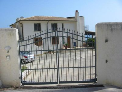 Photo for Casa Filly Ground floor apartment 2 steps from the sea in Sicily
