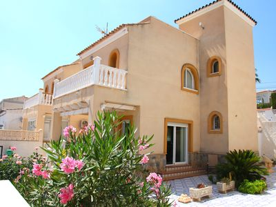 Photo for Villamartin Detached Villa. Gas C.Heat'. Free WiFi & Air-con', Minutes to Beach.