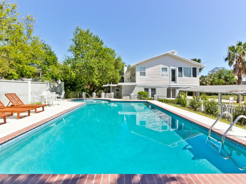 Large Private Pool Dual Living Rooms Close Homeaway