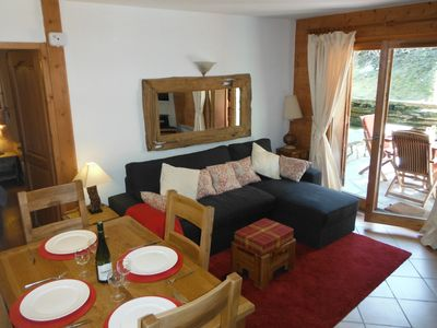 Photo for Les Houches, groundfloor 2 bed apt, approx 100m to lifts, south facing terrace.