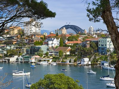 Photo for 3BR Apartment Vacation Rental in Cremorne Point, NSW
