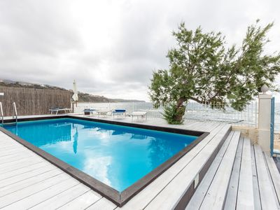 Photo for Nomad House, Private Pool, Jacuzzi and direct access to the beach