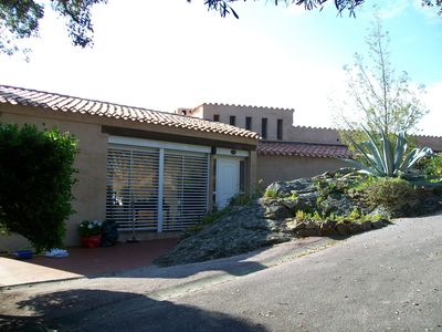 Photo for 170m² house in Bormes-les-Mimosas with garden and pool facing the sea