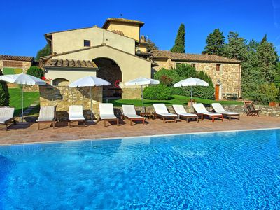 Photo for Apartment with WIFI, pool, TV, washing machine, panoramic view, parking, close to Greve In Chianti