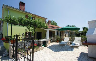 Photo for 2 bedroom accommodation in Belavici