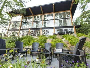 Modern Muskoka! Sunsets And Views! Executive Luxury And Location....5 Bedrooms