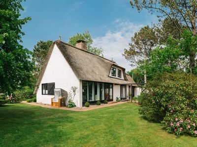 Photo for Luxury in Ording - House under thatch with large garden - 15 min walking. z beach