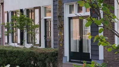 Photo for Central Domburg nice and cozy cottage with private parking