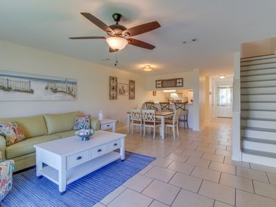 Photo for Sweet townhome w/patio, balcony & shared pool-1/2 block to beach!
