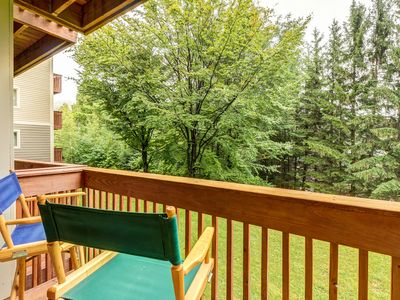 Photo for NEW LISTING! Ski-in/out condo w/fireplace-walk to lifts & Lincoln Peak Village