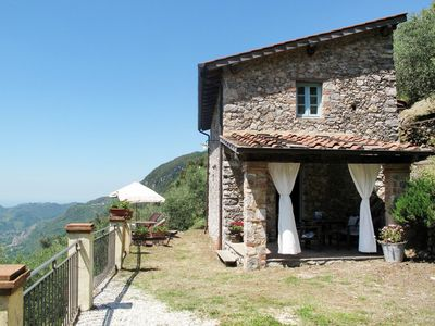 Photo for Lovely apartment for 4 guests with WIFI, private pool, TV and parking