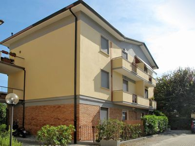 Photo for Apartment Appartamento Lilly (CQU130) in Cinquale - 3 persons, 1 bedrooms