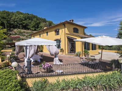 Photo for Stylish 3 bedroom villa with pool in Tuscany