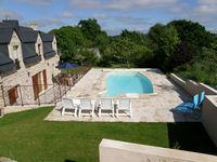 Fantastic cottage with a beautiful pool in a lovely quiet location