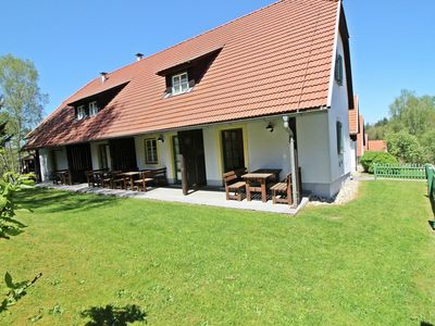 Photo for Lovely apartment for 6 guests with pool, WIFI, TV, balcony, pets allowed and parking