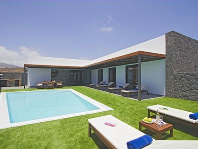 Photo for Casa Jimena fully air conditioned, spacious and bright villa, almost all the rooms have the benefit