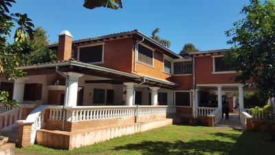 Colonial house in a rural area, on the edge of the capital, ranch vacation, ...