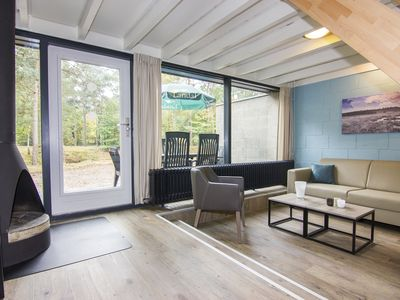Photo for 6-person bungalow in the holiday park Landal Het Vennenbos - in the woods/woodland setting