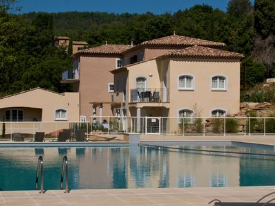 Photo for Appartment with pool and spa on a spacious park near Callian