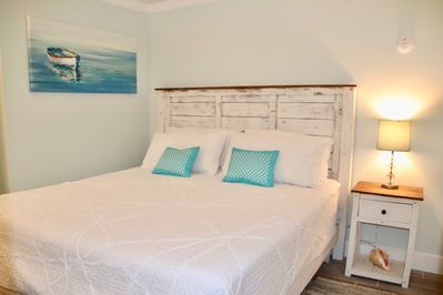 Bedroom- kingsize bed with one night stand