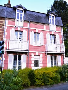 Photo for The lily of the valley, Villeroise house on 3 levels with terrace and garden