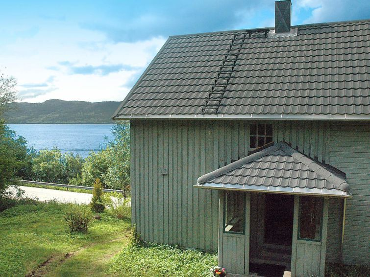 Vacation home Slemmen  in Åfarnes, Northern Fjord Norway - 8 persons, 4 bedrooms Photo 1