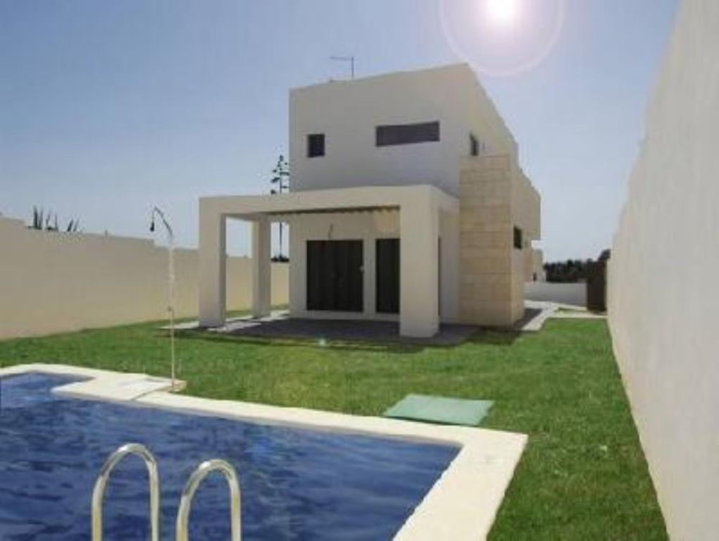 Chalet piscina privada y chill out a 2 min homeaway - Alquiler casa con piscina cadiz ...