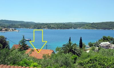 Photo for 1BR Apartment Vacation Rental in Island Solta, Island Solta