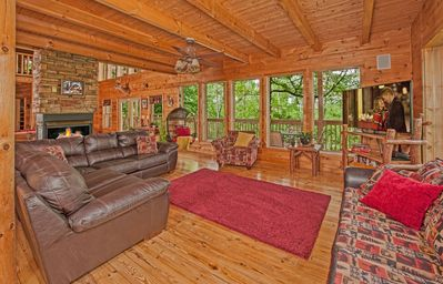 Photo for ***GREAT RATES*** LUXURY LODGE 4 BR/4 BATH, FREE WIFI, SLEEPS 14, **FIRE PIT**