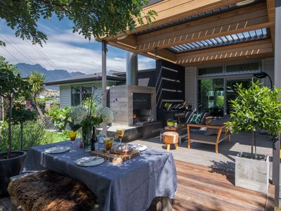 Photo for Tranquil Queenstown Escape   Hot Tub    Private Heated Outdoor Area