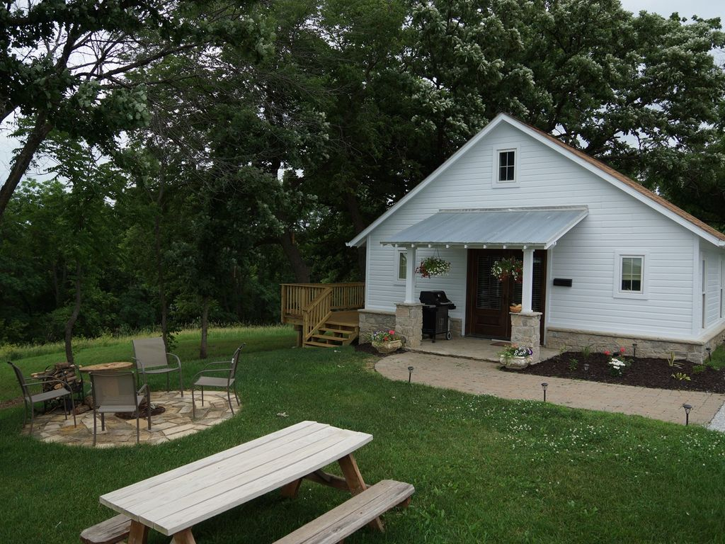 the corn crib is a fully furnished rental c vrbo