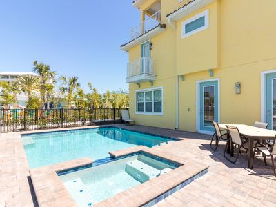 Photo for 3102 Parrot Head Place: 8 BR / 8 BA home in Kissimmee, Sleeps 18