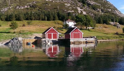 Photo for Idyllic cottage in beautiful Berle. Fishing, boating, swimming, hiking, bryggeliv.