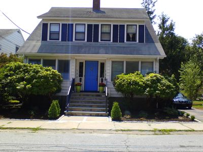 Comfortable, quiet, vintage-inspired 1930's home near beaches, colleges, USCGA