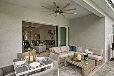 The covered patio area is the perfect place to unwind regardless of the weather!