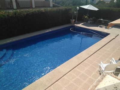 Photo for Cosy Holiday Home with Pool, Wi-Fi and Patio; Pets Allowed; Parking Available