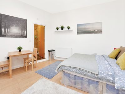 Photo for SUPERB and SPACIOUS Apartment For 3!