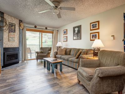 Photo for Charming Ski-In/Out Condo; Deck w BBQ/Hot Tubs; Free Shuttle, Discount Lift Tix