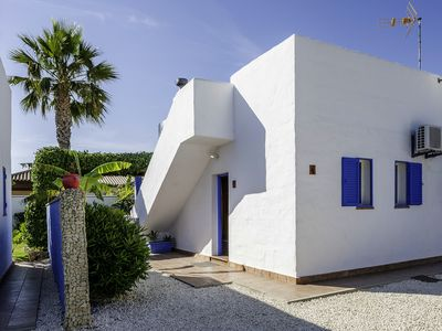Photo for Lovely holiday home with garden and pool - Casa Ibicenca 4