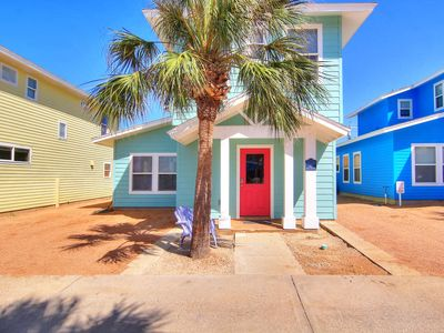 Photo for 3 bedroom 3.5 bath home in Royal Palms! Just a short walk to the beach.