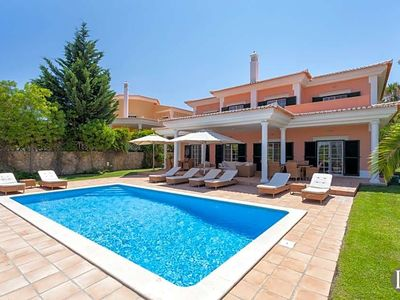 Photo for 4 bedroom Villa, sleeps 8 in Quinta do Lago with Pool