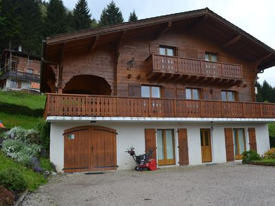 Photo for Luxury chalet in the Portes du Soleil with sauna, jacuzzi and private bathrooms